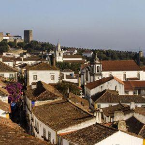 La villa medieval de Obidos quiere ser la mayor librería de Portugal